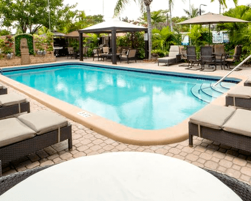 Pool Cleaning Service in Dania
