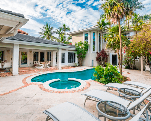 House with pool clean in North Lauderdale