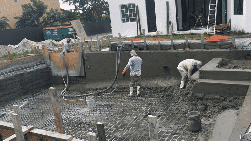 injection of reinforced concrete or gunite for the pool lining