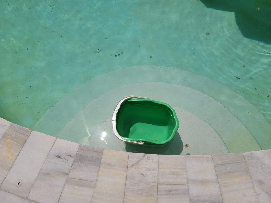 pool leak 4